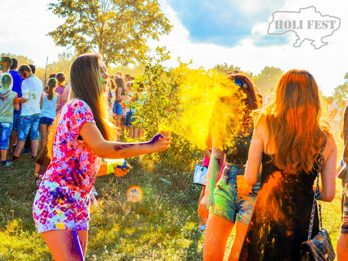 Встречай незабываемый Holi Fest и пенную вечеринку!